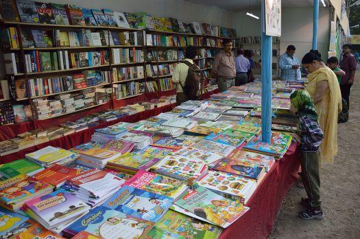 Greater_Behala_Book_Fair_-_Calcutta_Blind_School_Grounds_-_Kolkata_2015-12-12_7909